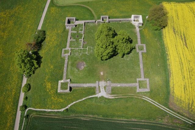 Luftbild des Kastells Irgenhausen